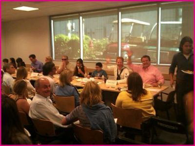 ABC-Modern-Family-Table-Read
