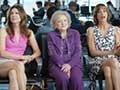 hot in cleveland airport promo